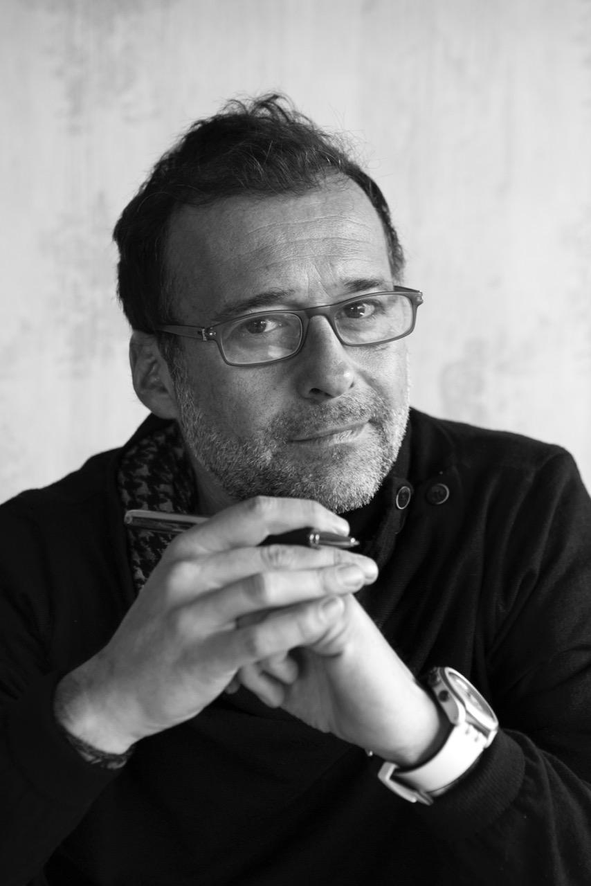 """Juan Novo Cuadrupani: """"Quería escribir la historia de un antihéroe que buscase el éxito y lo encontrase en lo más personal"""""""